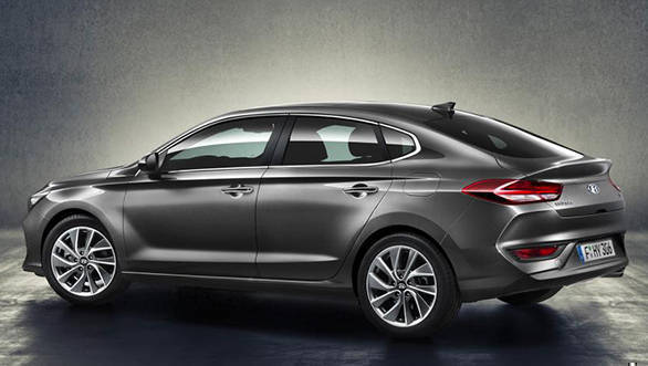 The i30 fastback is 115mm longer and sits 5mm lower than the i30 hatchback. - width=