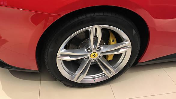 2017 Ferrari GTC4Lusso (7)