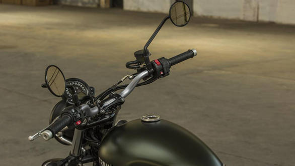 Notice the change in the design of the handlebar to suit the Scrambler design and function