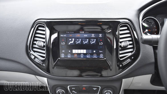 Jeep Compass Interior (3)