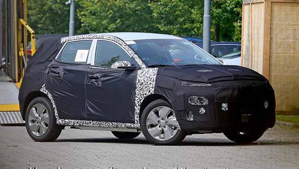 electric hyundai kona crossover spied testing claims a. Black Bedroom Furniture Sets. Home Design Ideas
