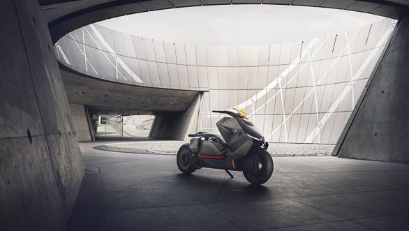 2017 Frankfurt Motor Show: BMW Concept Link Scooter showcased