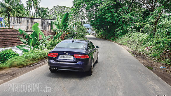 Jaguar_XE_20D_Travelogue4