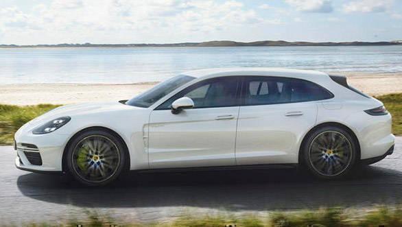 Porsche unveils the 2018 Panamera Sport Turismo S E-Hybrid
