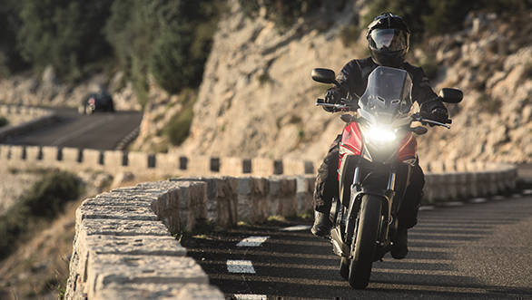 2017 Honda CB500X front action