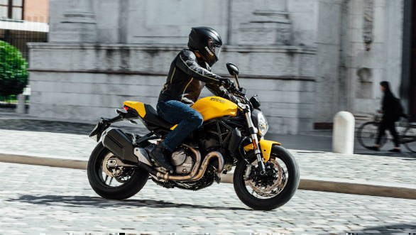 2018 Ducati Monster 821 image gallery