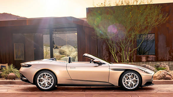 2018 Aston Martin DB 11 Volante image gallery
