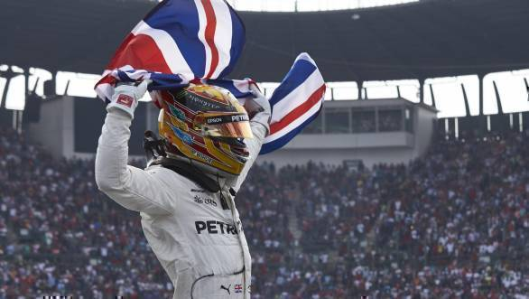 F1 2017: Lewis Hamilton claims fourth championship title with ninth-place at Mexican GP