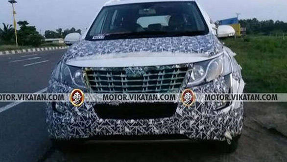 Spied: 2018 Mahindra XUV500 spotted testing in India