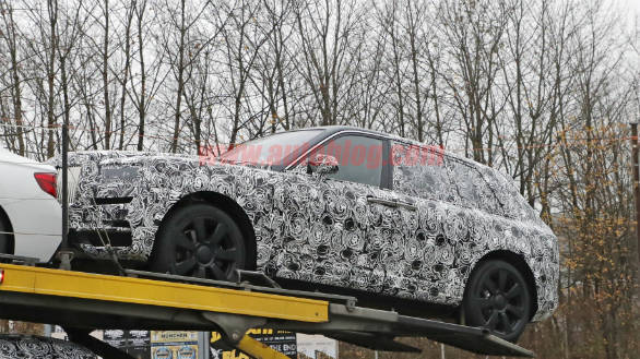 Rolls-Royce Cullinan SUV spotted