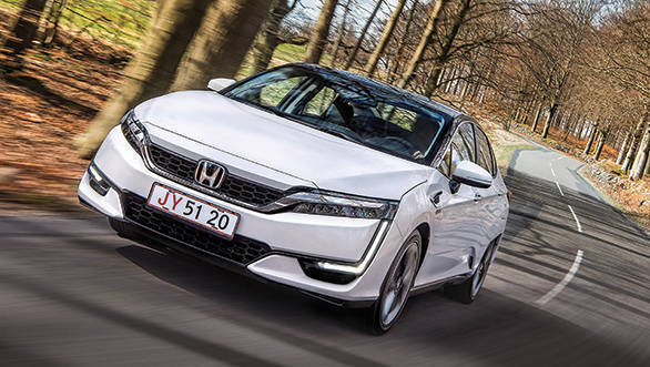 Honda Clarity FCV and Clarity plug-in hybrid first look review