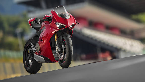 2018 Ducati Panigale V4 S beauty static