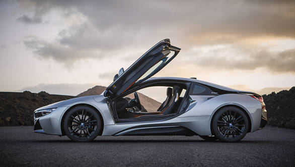 Los Angeles Motor Show 2018 Bmw I8 Roadster And Coupe Are Here