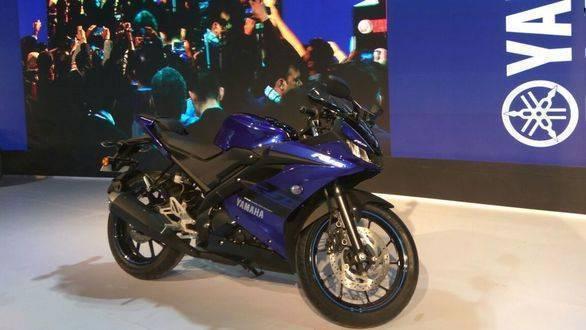 Image gallery: 2018 Yamaha YZF-R15 v3