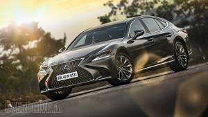 Lexus LS500h road test review