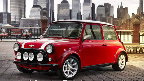 2018 New York Auto Show: Classic Mini Electric unveiled