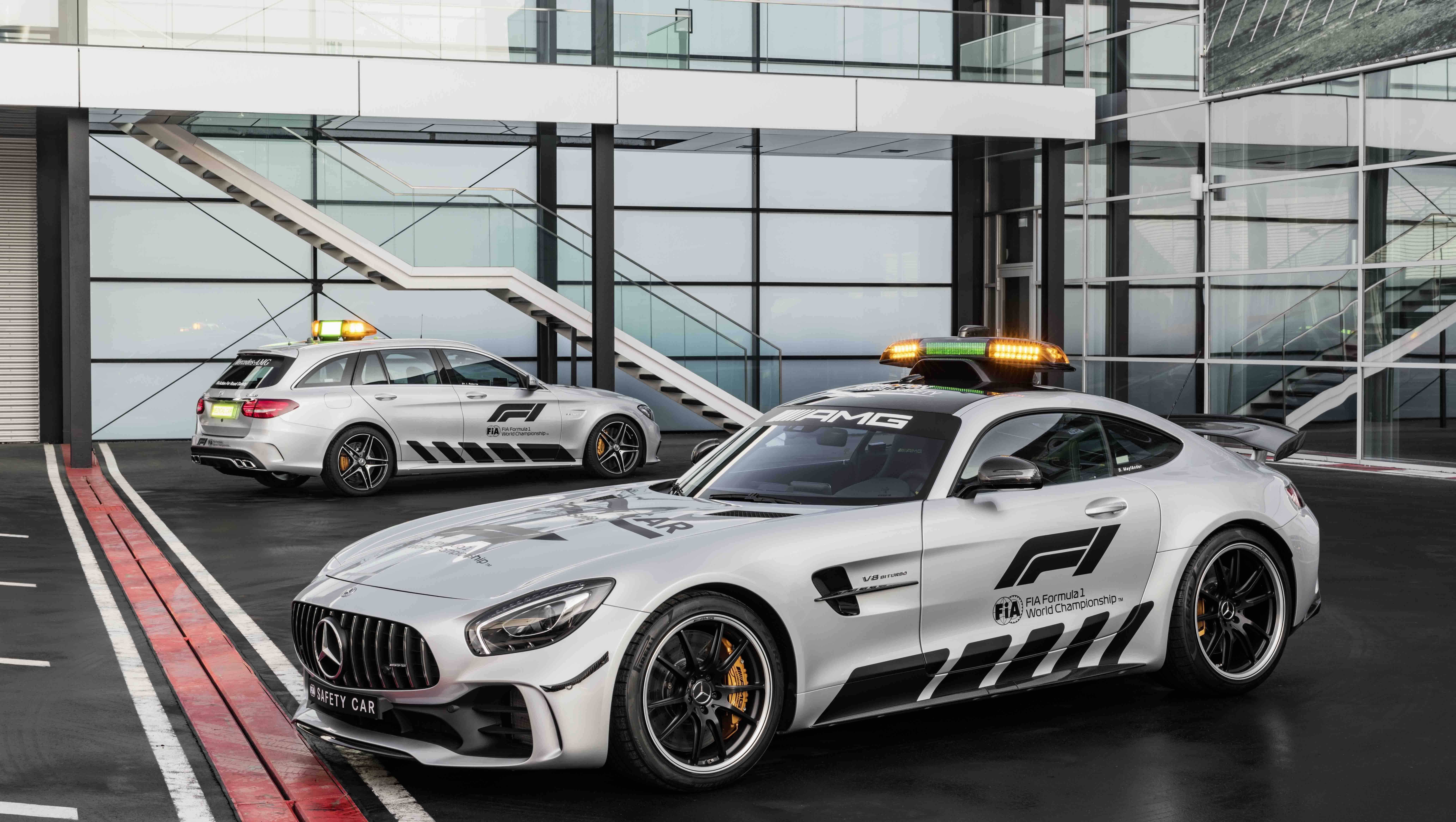 meet the most powerful formula 1 safety car ever the mercedes amg gt r overdrive. Black Bedroom Furniture Sets. Home Design Ideas
