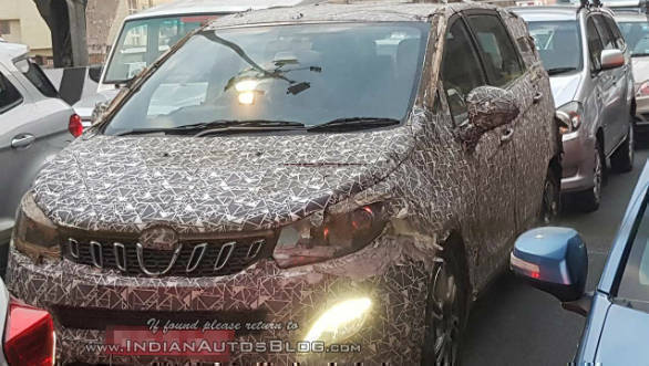 Mahindra U321 MPV spotted testing in camouflage