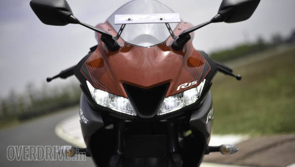 Yzf R15 V3 >> 2018 Yamaha YZF-R15 V3.0 first ride review - Overdrive