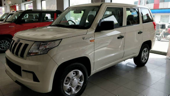 Mahindra TUV300 Plus starts arriving on dealership floors