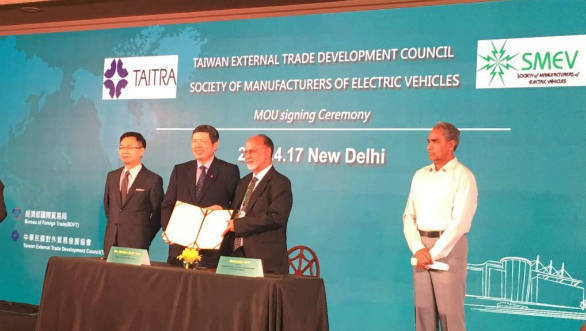 SMEV signs an MoU with TAITRA to develop EV development infrastructure