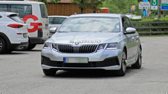 Fourth-gen Skoda Octavia spotted in early stages of testing, before launch in 2020