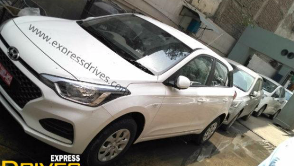 2018 Hyundai Elite i20 CVT automatic spied during dealer dispatch