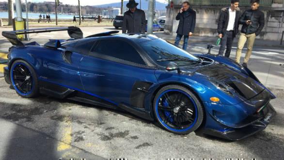 image gallery: pagani huayra bc 'macchina volante' spotted in geneva