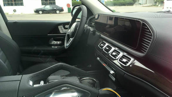 Upcoming 2019 Mercedes-Benz GLE-Class interior revealed in new spy images