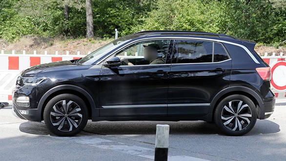 volkswagen polo based t cross suv spied undisguised. Black Bedroom Furniture Sets. Home Design Ideas