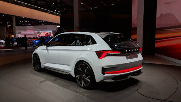 image gallery skoda kodiaq rs and vision rs at the 2018 paris motor show overdrive. Black Bedroom Furniture Sets. Home Design Ideas