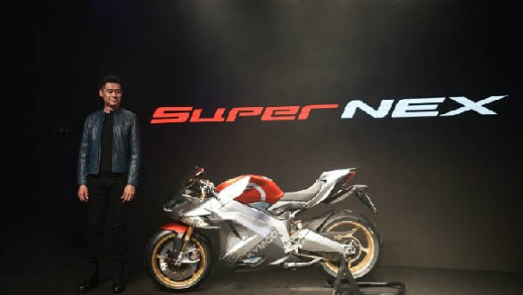 2ecbc1dc2cb EICMA 2018: KYMCO Supernex electric supersport motorcycle shown ...