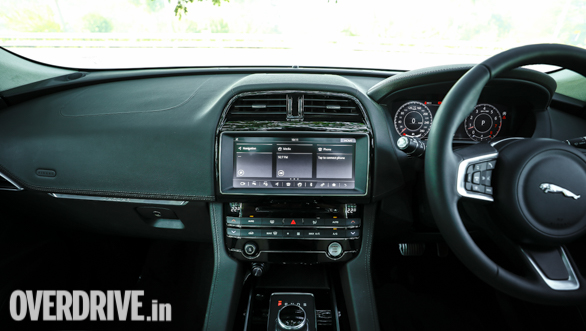 2019 Jaguar F Pace 2 0 Petrol First Drive Review Overdrive