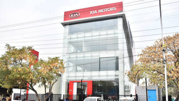 Kia Motors Inaugurate Its First Dealership In India Overdrive