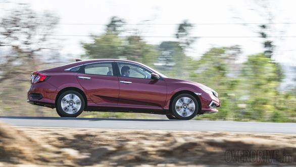 Comparison test: Honda Civic vs Toyota Corolla Altis vs