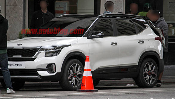 Upcoming Kia Sp2i Compact Suv Spotted Uncamouflaged Could Be