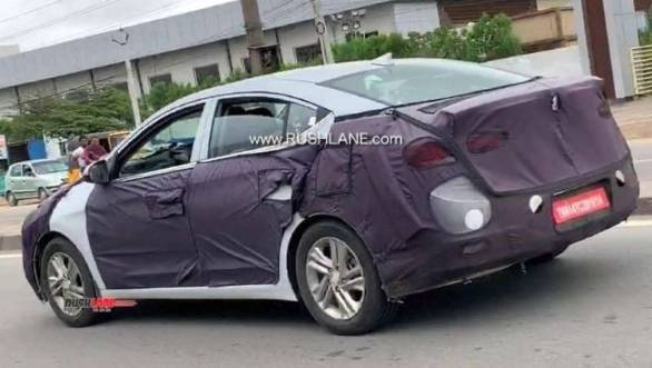 More spy images of the 2019 Hyundai Elantra facelift testing in