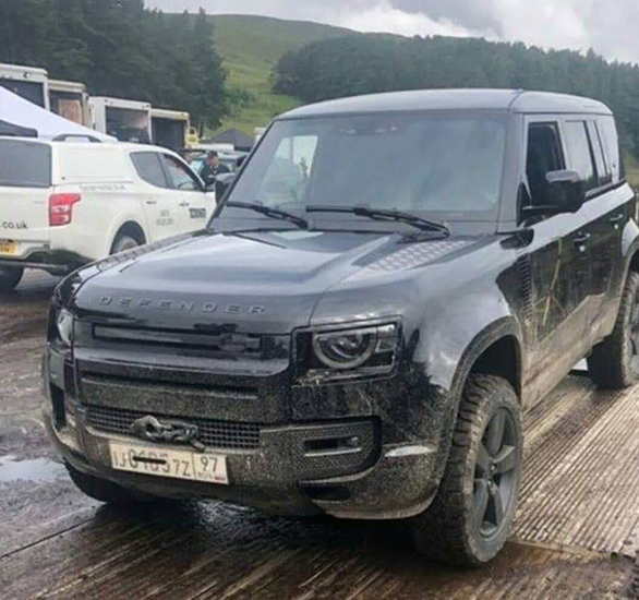 2020 Land Rover Defender spotted on the sets of upcoming