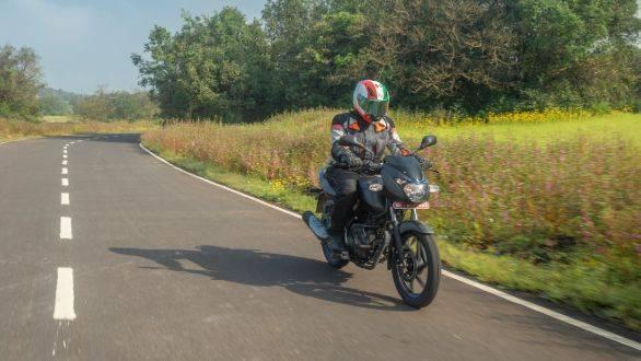 Bajaj Pulsar 125 OVERDRIVE Road Test Review (1)