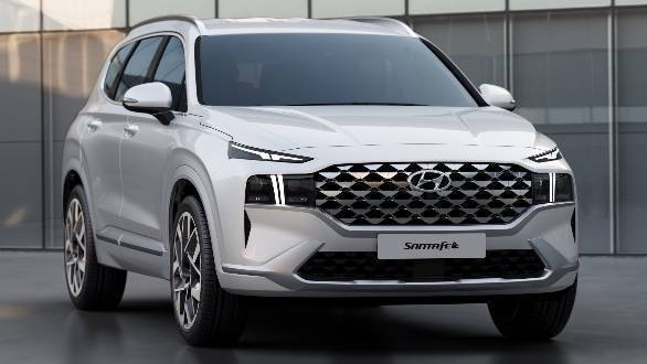 Hyundai Santa Fe Revealed, Grille Galore!