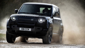 Land Rover Defender V8 unveiled with 525PS and new special editions