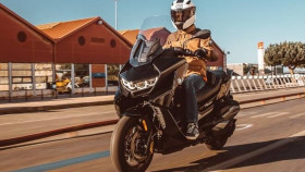 BMW Motorrad launch the all-new C 400 GT scooter in India, priced at Rs 9.95 lakh