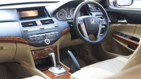 Honda-Accord-2013-2-4-AT-Interior