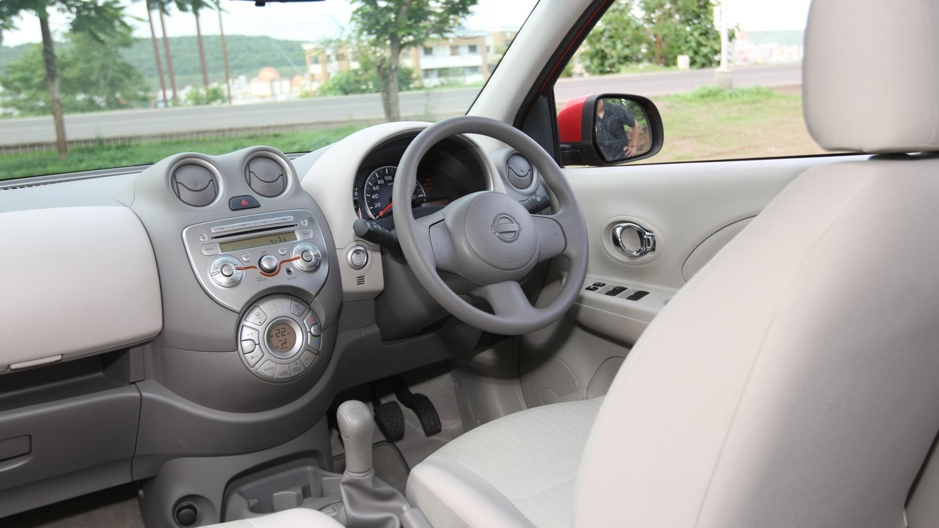 Nissan-Micra-2013-XE-Interior