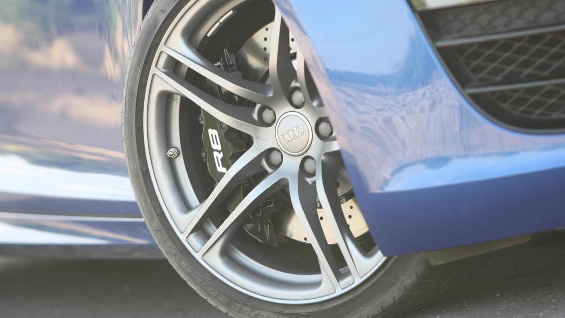 Audi-R8-2012-4-2-FSI-Quattro-Exterior