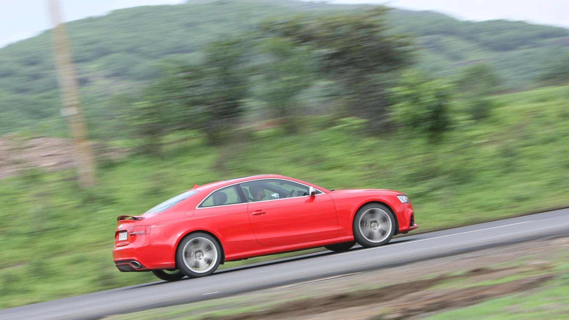 Audi-RS5-2012-STD-Exterior