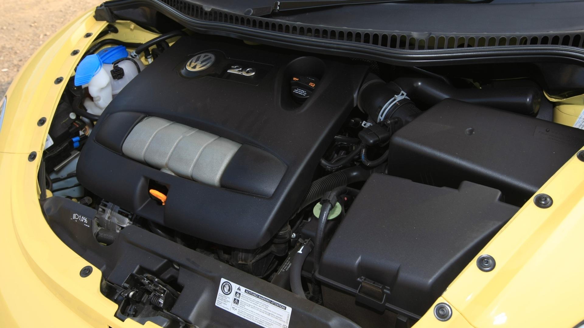 Volkswagen-Beetle-2013-STD-Interior