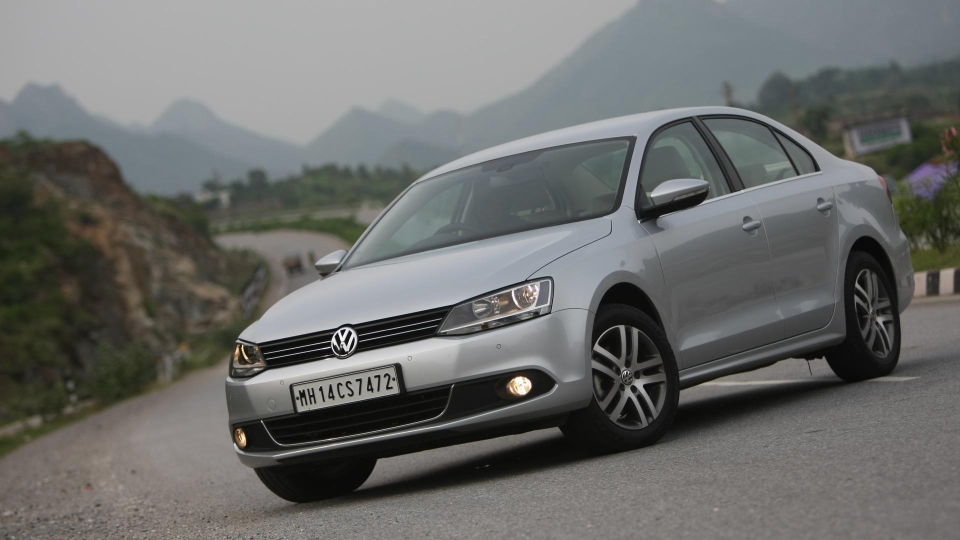 Volkswagen-Jetta-2011-2-0-Trendline-M-Exterior