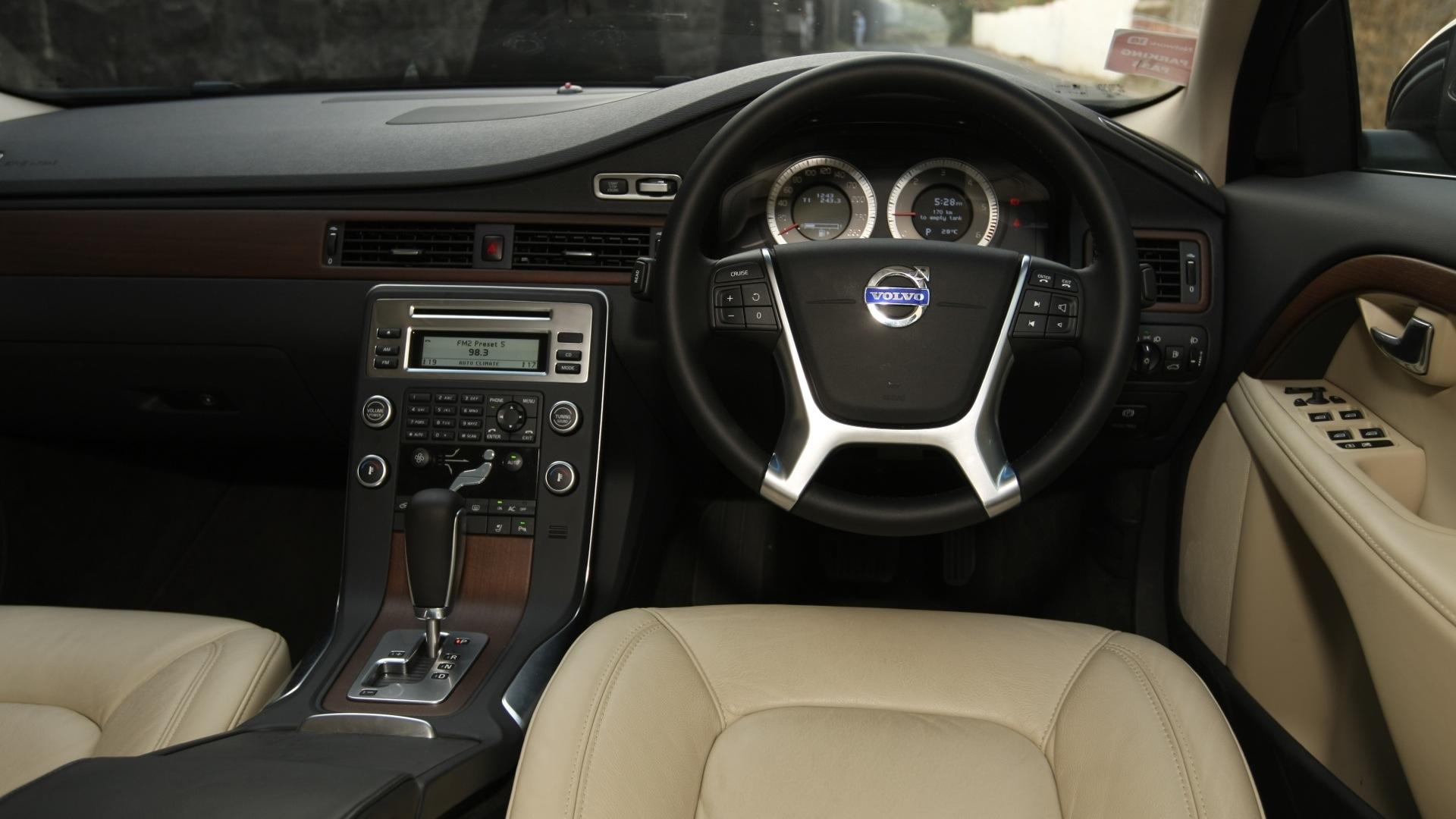 Volvo-S80-2013-2-4L-D5-Interior