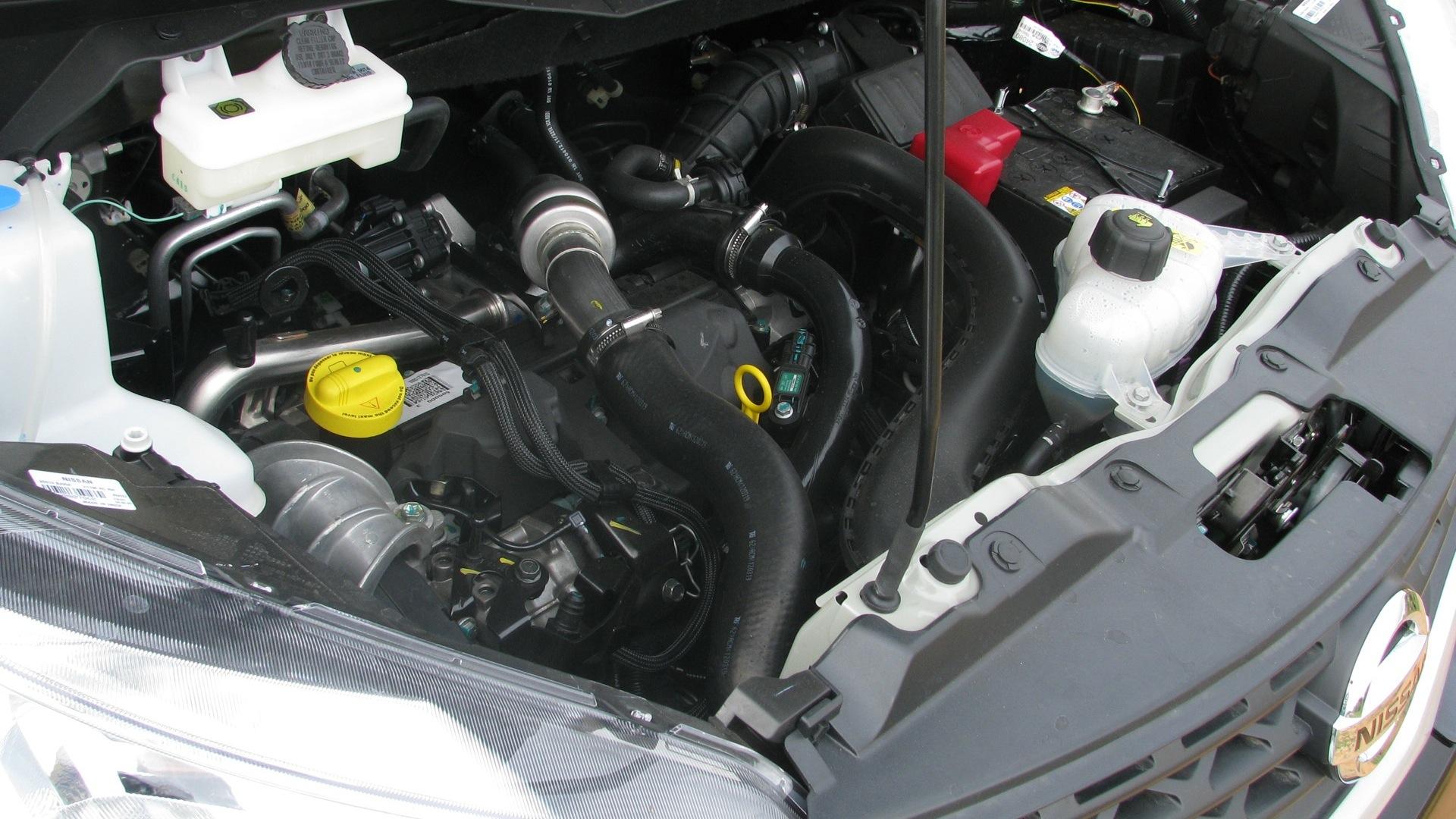 Nissan-Evalia-2014 Interior